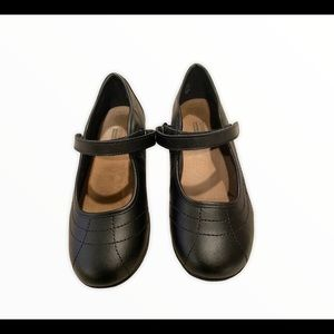 Kids Smart Fit Mary Jane black shoes size 1 1/2